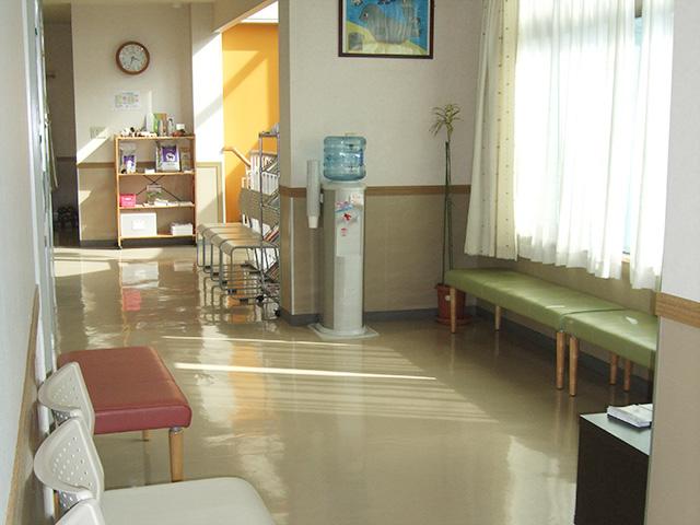 ひっぽ動物病院_待合室_写真02